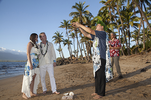 Hawaiian Ring blessing performed by minister at Maui Wedding at Sugar Beach Cove, Maui
