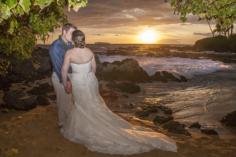Amanda and Cameron's Maui wedding at Makena cove