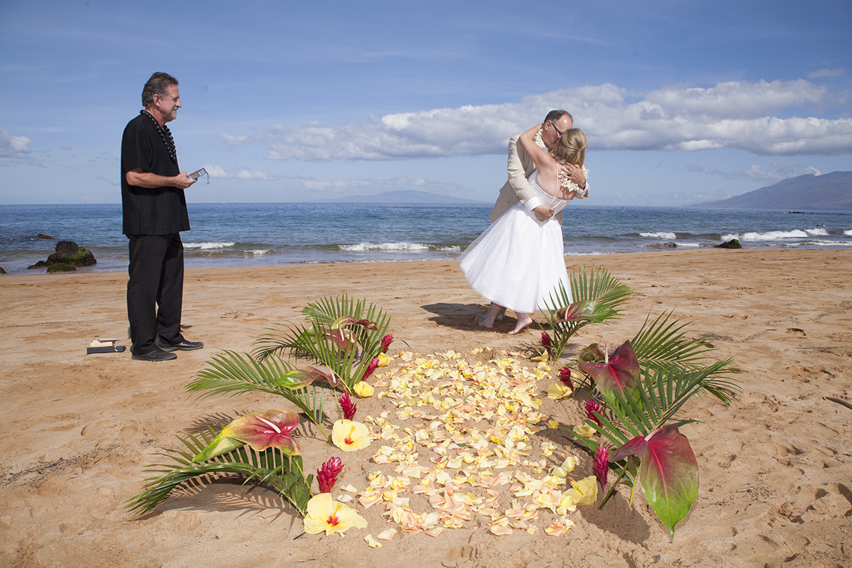 Tropical Aisle using Petals